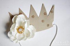paper crowns {tutorial}   Jones Design Company   stylish designs for life