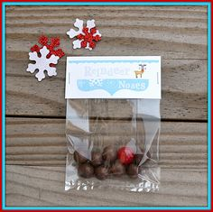 Free Printable Treat Bag Toppers for Reindeer Noses