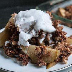 Dairy-, Gluten-, and Sugar-Free Apple Crumble