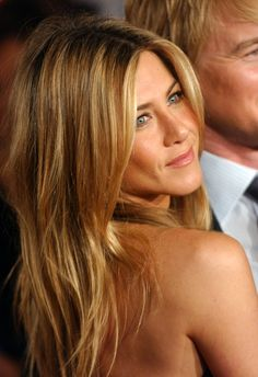 jennifer aniston, hair colors, style, honey blond, blond hair