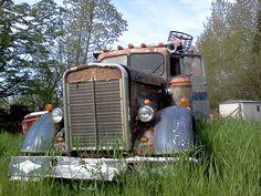 big truck, abandon metal, kenworth truck, big rig, 1952 kenworth, semi, random pin, jegscom cartruckmotorcycl, cartruckmotorcycl showpark