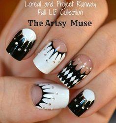 <3 #nailart black n white, crown, nail designs, artsi muse, nail arts, black white, project runway, polka dot nails, nail decal