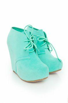 Minty Wedge Kicks