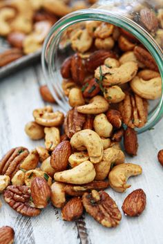 Sweet and Spicy Rosemary Bar Nuts + Tips for Customized Roasted Mixed Nuts and Homemade Snack Mixes on @Katie Goodman