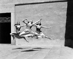 photograph, colleges, lets dance, three dancer, art, black white, imogen cunningham, ballet, mill colleg