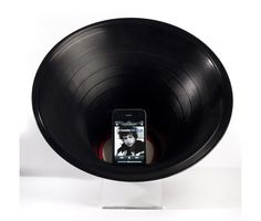 record amplifier for a smart phone, iphone, android. pretty neat Green reuse!