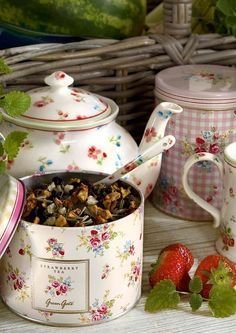 Strawberry tea.  A Quaint Cottage... (1) From: Image only, no direct url