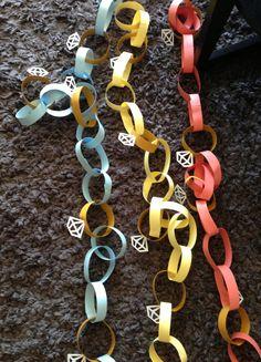 Diamond paper chain. DIY