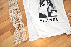 So chic! A stylish way to upcycle an ol' tee shirt