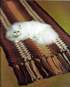 Nothing gets between me and my macrame. Soft On Macrame Pattern Book