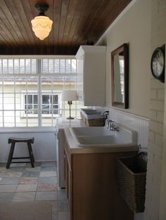 BY HARDROCK CONSTRUCTION traditional laundry room