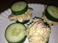 low carb lunch tuna salad on cucumber slices. Yum! #lowcarb #weightloss