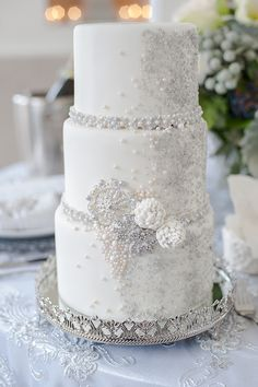 Beaded wedding cake by Connie Cupcake