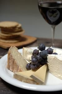 breakfast or lunch at la fromagerie cheese shop  tasting cafe
