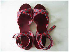 rachel sees sandals