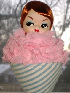 dolly cupcake pin cushion