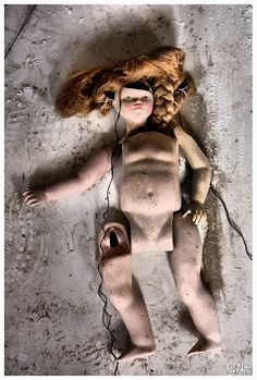 Creepy Yet Fascinating Abandoned Doll Factory In Spain (31 Pics) | Little White LionLittle White Lion