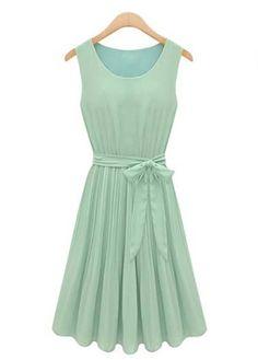 Round Neck Sleeveless Chiffon Pleated Dress