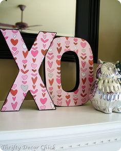 Adorable and easy #Valentines Day #decorations #ValentinesDay @Christy Polek Palmer Decor Chick