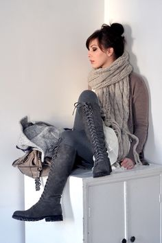 casual chic. LOVE those boots!