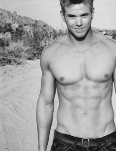 Twilight star Kellan Lutz shirtless and looking so fine.