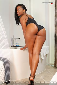 Ayisha Cottontail leg stretch