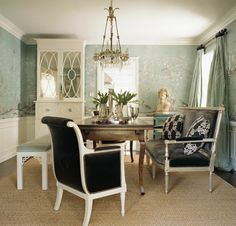 One of my long time running fav dining suites.  image via Peak of Tres Chic.  design by Windsor Smith.