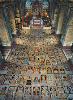 extreme religious architecture: look at that fanatically crazy exaggerated floor: St. John's Cathedral, Valletta, Malta