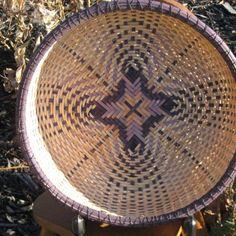 Quatrefoil bowl - Staghorn Basketry    http://www.artfire.com/ext/shop/product_view/staghornbasketry/3758097/quatrefoil_bowl/handmade/baskets/woven