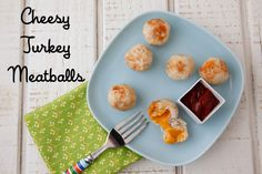Cheesy Turkey Meatballs on Weelicious....this works for toddlers and it works for me! Serve with pesto pasta. Mmm.