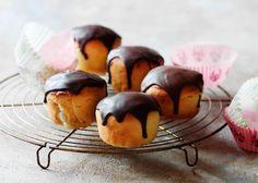 Fastelavns muffinboller med nougat og marcipan - Odense Marcipan - for Shrove Tuesday.