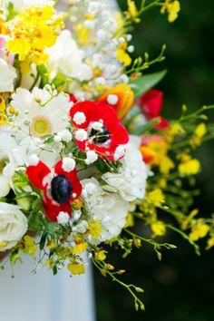 Vibrant wedding bouquet: http://www.stylemepretty.com/pennsylvania-weddings/2014/10/20/bright-colofrul-pennsylvania-wedding-at-aldie-mansion/   Photography: Lindsay Docherty - http://lindsaydocherty.com/