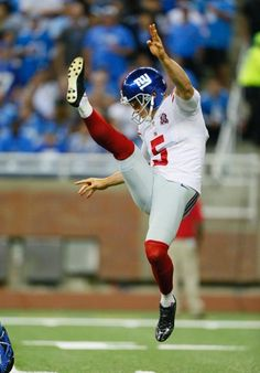 Giants vs. Lions - Giants punter Steve Weatherford makes the kick (9/8/14)