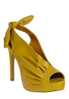 <3 High-heeled Shoes