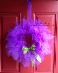 Super cute tulle wreath...and so easy!