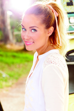 liquid liner, pink lips, high ponytail {gorgeous summer beauty look}