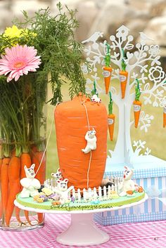Lovely #Easter Table and carrot cake #rabbit
