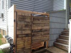Pallet Outdoor Shower  #Diy, #OutdoorShower, #Pallet