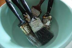 Soak old paintbrushe