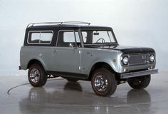 International Scout Aristocrat pickup by Wisconsin Historical Images, via Flickr