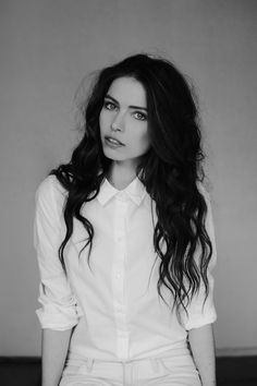 Holy pooooop, she's gorgeous.