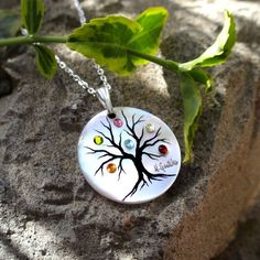 Love trees, love my family, love this necklace