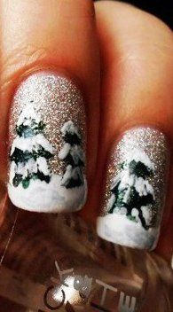 Glitter Christmas Trees Nail Art / scanfree.org