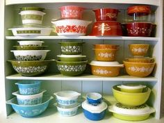 to do: collect vintage pyrex
