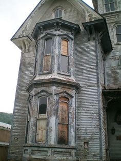 The F. W. Knox Mansion / Old Hickory Hotel & Tavern. Coudersport, PA, July 26, 2009.