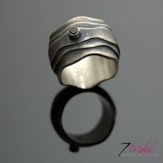 THREE LAYERS - SILVER RING WITH ONYX