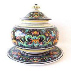 """BISCOTTI JAR: DERUTA NERO: 10"""" (25cm) High.    TOR31DN - DERUTA NERO CAKE PLATE: Separate Purchase.    This Piece is hand painted in Deruta."""