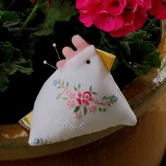 Oh I love these chicken pin cushions, but I never considered making them out of vintage fabric!