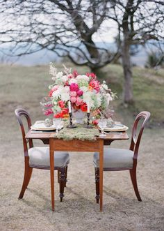 Bright, colorful & rustic wedding inspiration