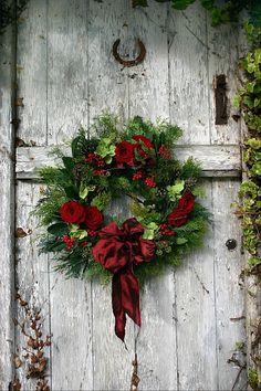 christmas wreaths, holiday wreaths, the doors, barn doors, rustic doors, rustic christma, red roses, old doors, christmas door